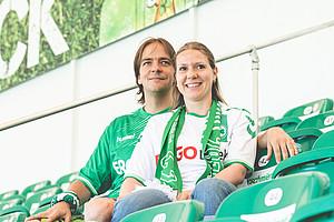 Frank Tröger, 35, & Sandra Weiß, Gegengerade.