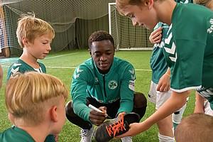 05. September: Eddy's Fußballcamp in den Sommerferien mit David Atanga.
