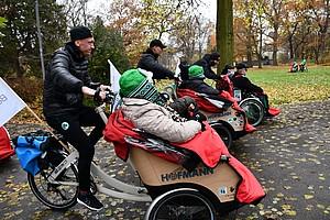 14. November: Kleeblatt-Profis und -Mitarbeiter engagieren sich am Sozialtag.