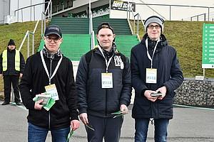 Das Trio um Fritz, Patrick und Matthias war mit Stadionöffnung noch als Flyer-Verteiler im Einsatz...