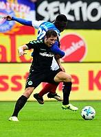 Körper rein! Maximilian Wittek lässt den Kieler Kingsley Schindler nicht an die Kugel kommen.