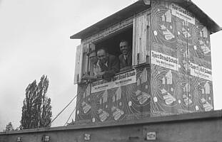 Die Sprecherkabine des Ronhofs vor dem Bau der Tribüne.