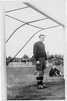 Spielvereinigung-Tormann Peter Niemann in der Spielzeit 1947/48.