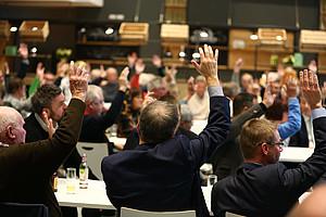 Einstimmig ernannten die 150 stimmberechtigten Mitglieder Helmut Hack als Ehrenvorsitzender auf Lebenszeit.