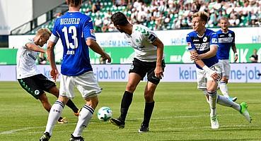 Das erste Tor der Saison 2017/2018 für die Spielvereinigung geht an Nik Omladic, der mit einem Linksschuss im Spiel gegen Bielefeld traf.