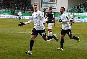 Ein Sieg, wie hier beim 4:0-Torreigen, bei dem David Raum sein erstes Bundesliga-Tor für´s Kleeblatt erzielte,