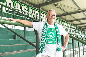 Manfred Kreuzer, 61, Block 2.