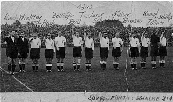 Die Mannschaft des Kleeblatts vor dem Spiel gegen Schalke 04 im Jahr 1940.