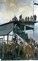 Überfüllter Ronhof beim Gastspiel von Newcastle United im Jahr 1911.
