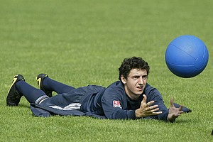 Der junge Roberto Hilbert spielte schon als 15-Jähriger für den Kleeblatt-Nachwuchs, wechselte 2002  aber für zwei Jahre zum SC Feucht.