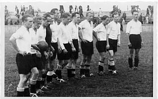 Die Mannschaft des Kleeblatts im Jahr 1947.