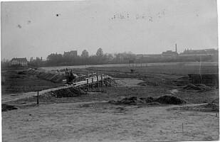 Bild vom Bau des Ronhofs im Jahr 1910.