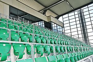 Oben in der Tribüne: die neue Sicherheitszentrale und die Stadionregie.