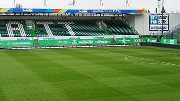 ...die Partie abzusagen und die Sicherheit für Zuschauer, Spieler und alle am Spieltag-Beschäftigten nicht zu gefährden.